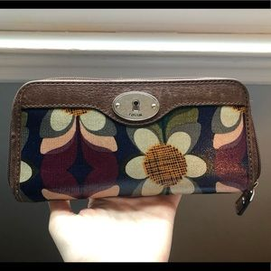 Fossil floral wallet